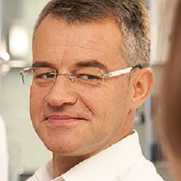 Dr. Peter Souschek